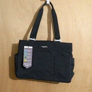 BAGGALLINI LARGE  EAST WEST TOTE BLACK NEW